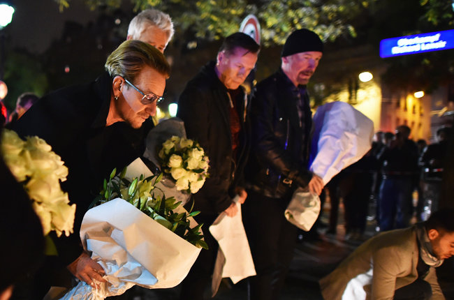 paris-attack-u2-bataclan-memorial-nov-2015-billboard-650
