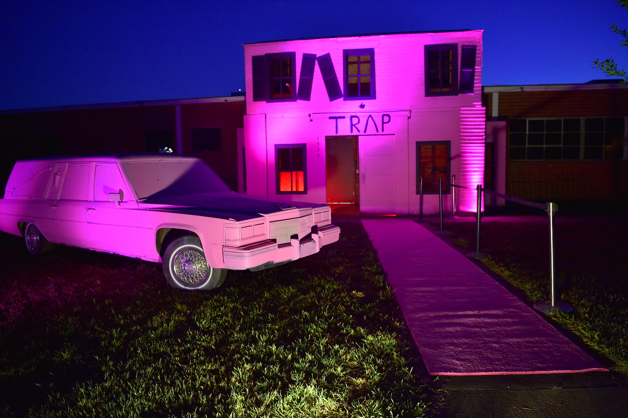 Visit 2 Chainz Haunted Pink Trap House Is The World S First Hip